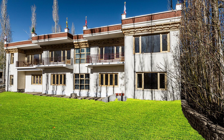 Twin Palace