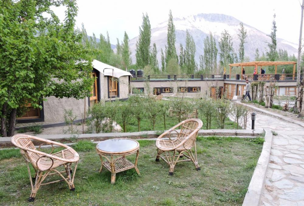 Mystique Meadows Earth Homes In Pangong
