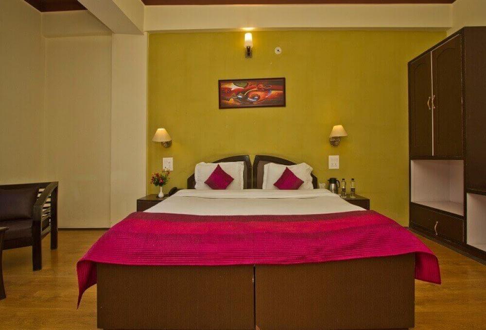 Family Suite Hotel Zojila Residency