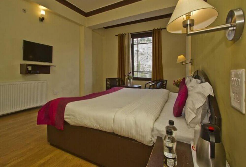Deluxe Room Hotel Zojila Residency